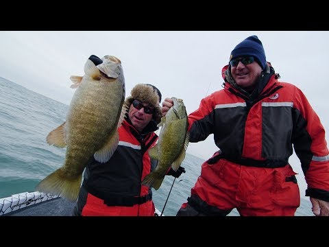 Lake Erie Smallies! - Dave Mercer's Facts of Fishing THE SHOW