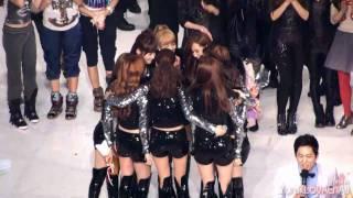 [Fancam] SNSD ::101230 2010 KBS Music Festival - The Best Popular Song Award presentation - Stafaband