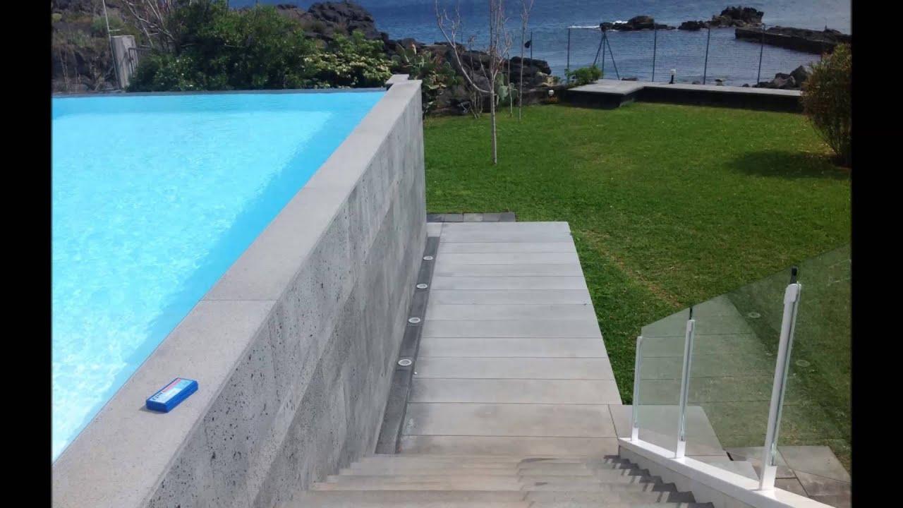 Piscine Sfioro A Cascata costruzione e progettazione piscine catania sfioro infinity con elettrolisi  a sale