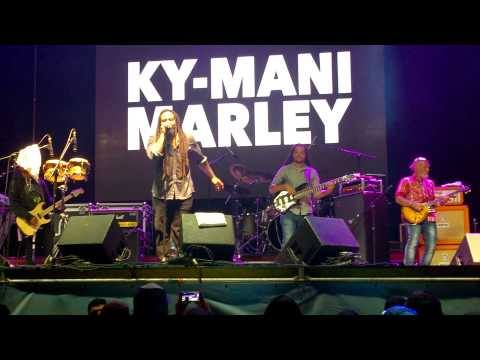 Ky-Mani Marley - Redemption song @ One Music Festival, Pichilemu 2014 Videos De Viajes