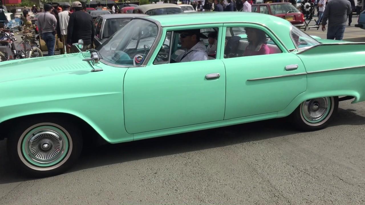 Dodge seneca ford mustang boss 302 1969 y plymouth fury 1961 exposición autos clásicos colombia