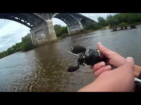 Разведка реки Клязьма под мостом у города Владимир