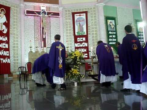 Lễ tang bà Ysave Nguyễn Thị Khen (1)_Thánh lễ an táng