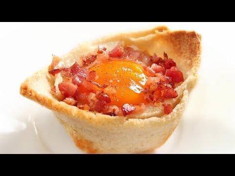 Taza de Pan rellena con Queso, Huevo y Bacon   Desayuno Fácil y Rico