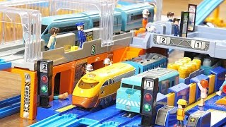 Thomas the Tank Engine Train Toy, Japanese railway, a total of 19 ☆Playing video for children.
