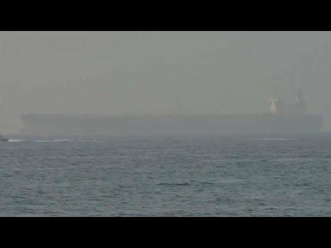 شاهد: الناقلة التي تعرضت لهجوم قبالة عمان راسية في الفجيرة الإماراتية…  - نشر قبل 48 دقيقة