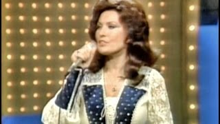 Loretta Lynn - Coal Miners Daughter