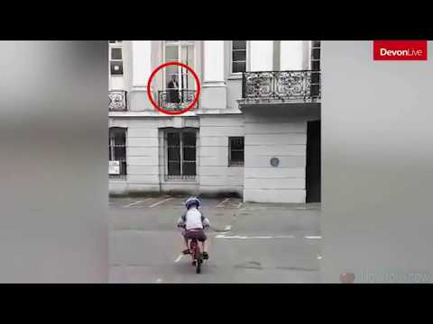 Chilling video of a ghost watching a kid from a window
