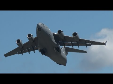 2016 New York Airshow - C-17 Globemaster III Demonstration