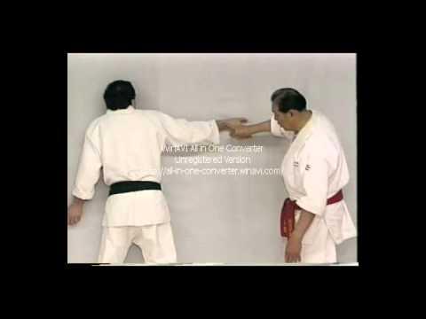Wally Jay   Small Circle Jujitsu   Finger Locking Techniques