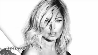 Fergie - Love Is Blind