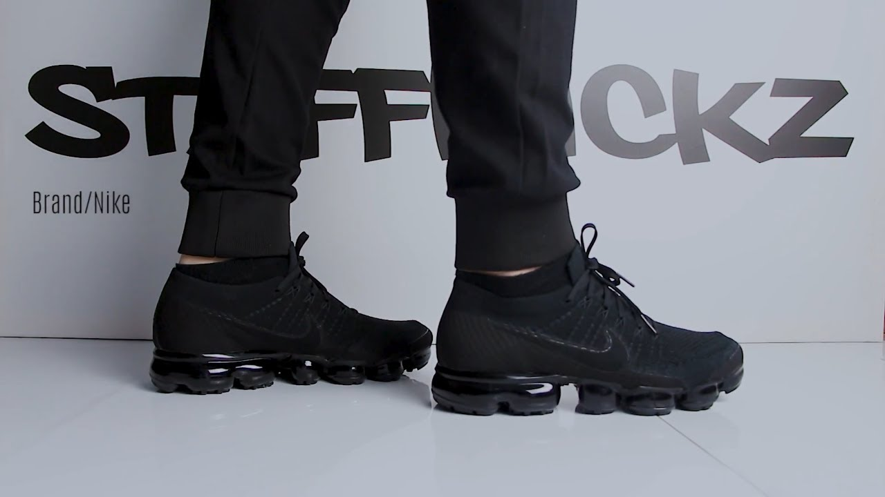 On Feet , Nike Air Vapormax Flyknit \u0027\u0027Triple Black\u0027\u0027