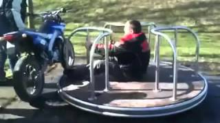 Качели и мотоцикл