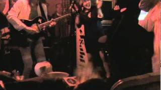 2010 12 28 zenpussy 変態ロッカー 女装弾き語り つま...