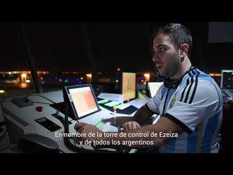 Nuestro saludo para la Selección Argentina desde la torre de control de Ezeiza