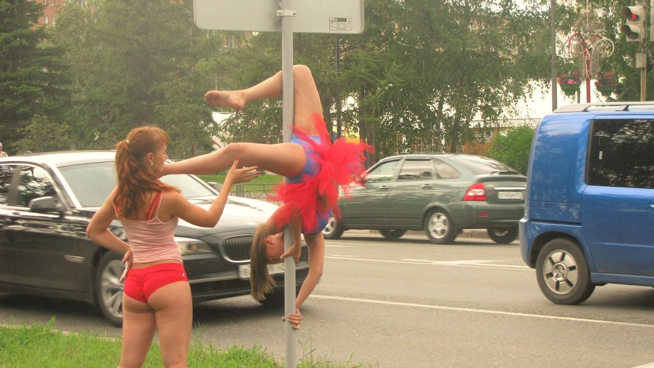 Мужик Снимает Проституток На Трассе