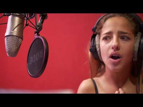 ROAST YOURSELF CHALLENGE - MUEVE LA CABEZA -  ARIANN MUSIC - LO QUE NO SE VE - MAKING OFF -😎😎