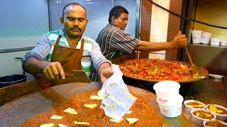 Indian Street Food - BUTTER CURRY BUN Pav Bhaji Mumbai India