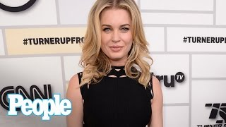 Rebecca Romijn On Set With Hubby Jerry O'Connell For New Movie 'Lock Locks'   People NOW   People
