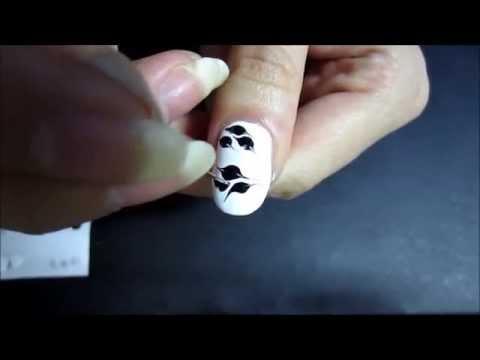 Рисунок на ногтях «бабочка» при помощи простой иголки