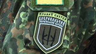 Как считают голоса в ОИК №59 (Марьинка, Крахово)(Вооруженные люди с автоматами заняли помещение Окружной избирательной комиссии №59 в Донецкой области..., 2014-11-06T16:48:18.000Z)