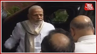 Prime Minister Modi, Amit Shah Arrive At BJP Headquarters To Receive Vajpayee's Mortal Remains