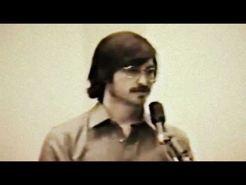 Steve Jobs rare footage conducting a presentation on 1980 Insanely Great