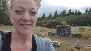 """Field trip Friday"" Episode #2-Island Lake Cemetery THE TAXIDERMY WITCH"