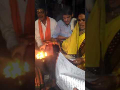 देवबलौदा प्राचीन शिव मंदिर मे 04/11/2017 को रवि सेन के पूरे परिवार के द्वारा महाआरती किया