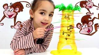 Monos Locos! (Mattel) Tumbling Monkeys Game. Juego de mesa con Andrea. Divertilandia!