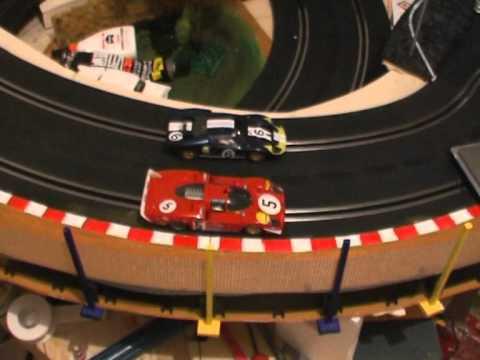 Fly Ferrari vs Slot.it Ford GT40.mpg