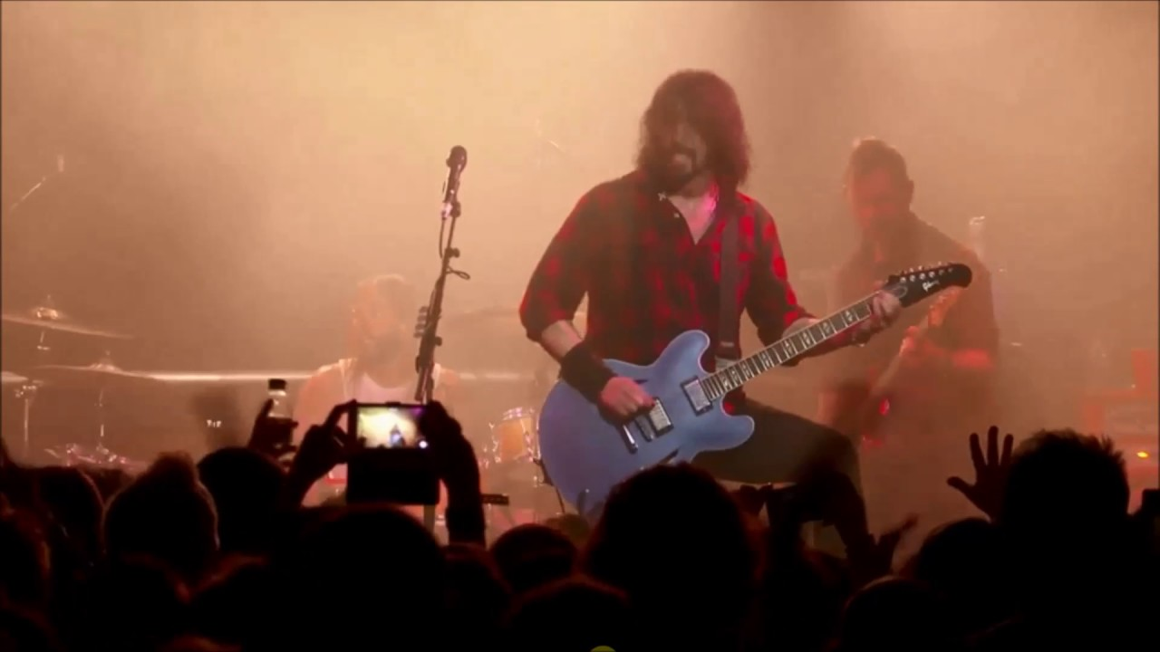 foo fighters 02 24 2017 la dee da and run new song teasers cheese and grain frome uk. Black Bedroom Furniture Sets. Home Design Ideas
