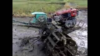 Nông dân chế tạo Máy cày (máy xới đất) Tự động lái (Điều khiển từ xa)