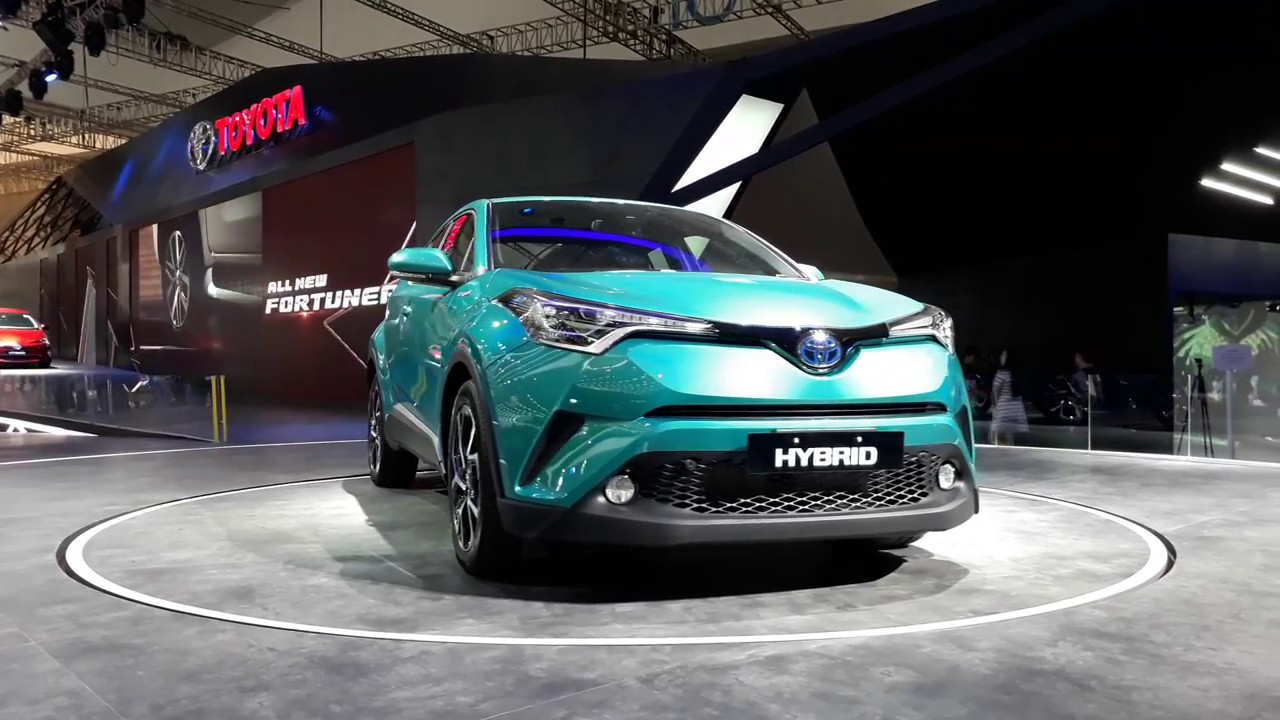 toyota chr hybrid 2017 penantang honda hrv dari toyota youtube. Black Bedroom Furniture Sets. Home Design Ideas