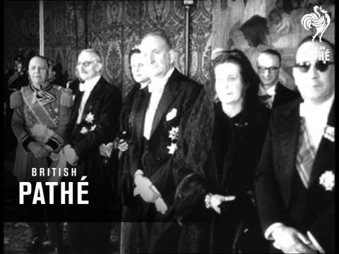 Pope Receives Diplomatic Corps (1956)