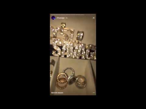 Celebrities on live Instagram: 21 SAVAGE showing his new jewelers!!!