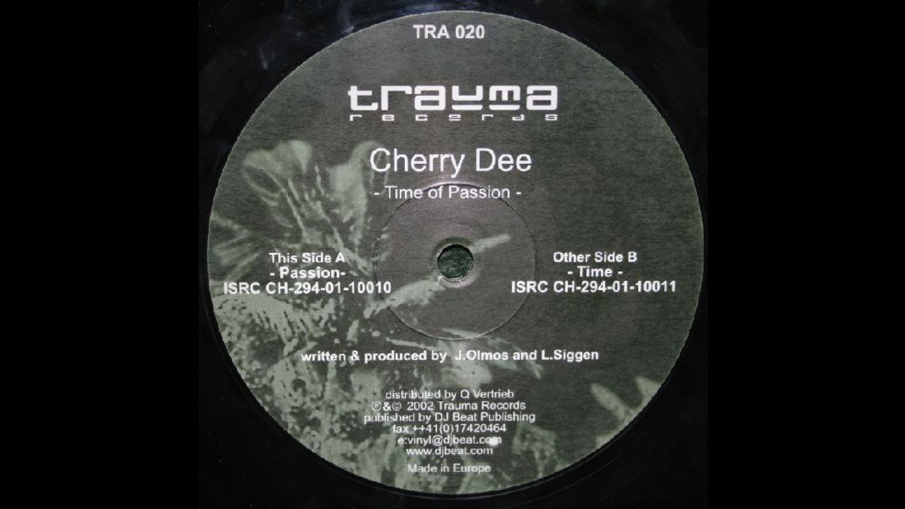 Watch Cherry Dee video