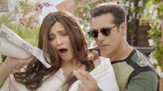 Daisy Shah Asks BF Salman Khan Before Signing Any Movie