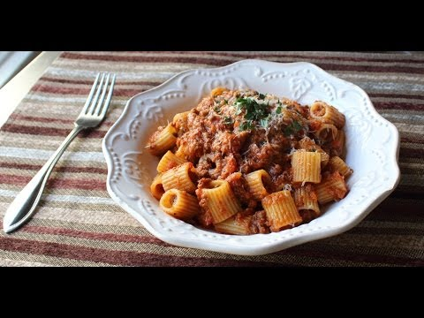 bolognese-sauce---marcella-hazan-inspired-meat-sauce-recipe---rigatoni-bolognese