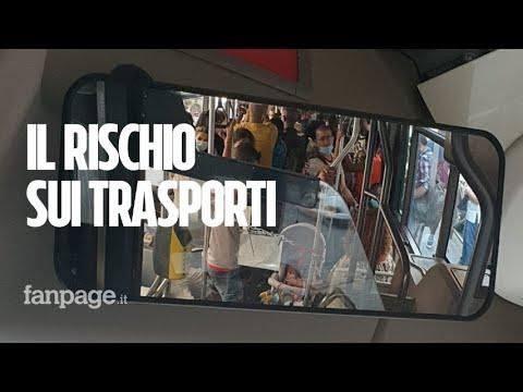 """Roma, pendolari ammassati nonostante il Covid: """"Atac non garantisce la salute dei passeggeri"""""""
