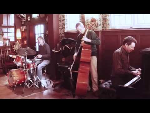 Roderick Hart Trio, Live at The Queen Victoria