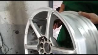 Сложный ремонт диска аргонная сварка(На видео представлен сложный ремонт легкосплавного диска с восстановлением геометрии диска. Эти работы..., 2016-06-15T10:45:14.000Z)
