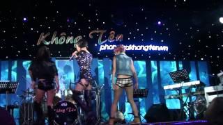 Bay Thu Minh live at Không tên!