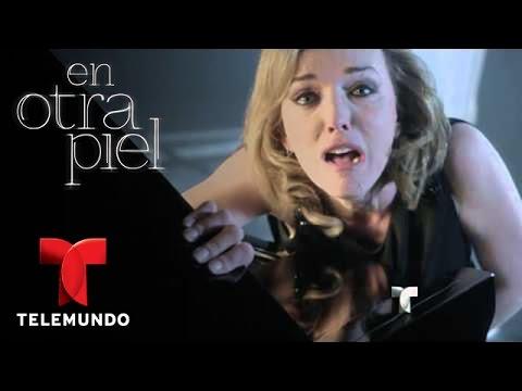 En Otra Piel | Laura Flores es Mónica Serrano | Telemundo Novelas