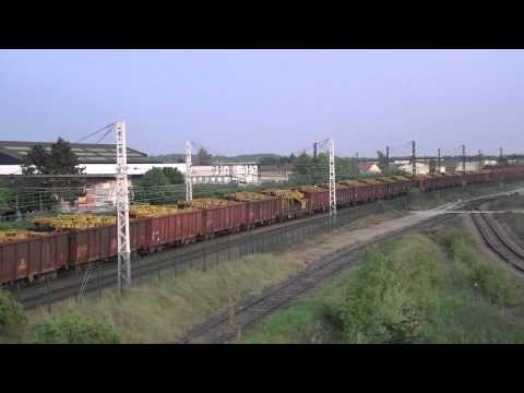 Trafic ferroviaire le soir sur l'artère impériale