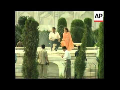APTN's wrap of Pakistan's president visiting the Taj Mahal