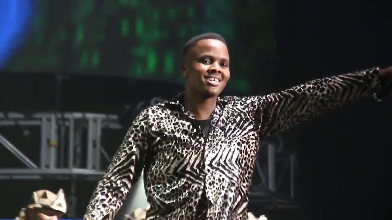 Download Khuzani Mpungose Live Full Performance at Essence Fest DBN 2017 1