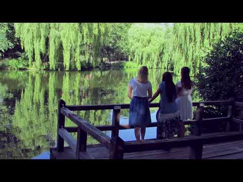 Drei Frauen am See YouTube Hörbuch Trailer auf Deutsch