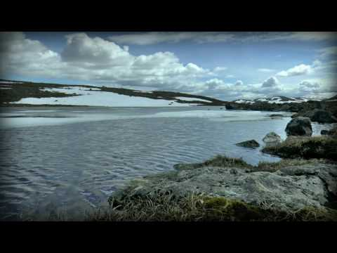 ♫ Peaceful Nature Scenery: Mountain Lake with Relaxing Piano Music