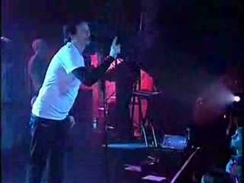 Angels And Airwaves Do it for me now Live AT&T 8.3.2007